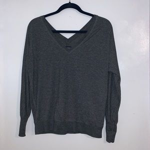 LONG SLEEVE V-NECK